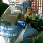 Sulla moto della Polizia